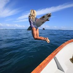 Adventure ready, @bethanyhamilton in #BombshellSeries #RipCurl