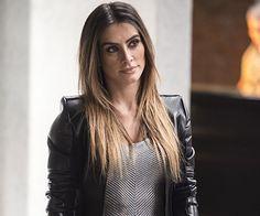 A jaqueta de couro preta, usada pela personagem Tamara (Cleo Pires), na novela #HajaCoração