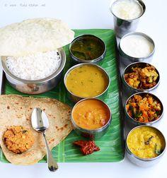 Triangle chapati,Potato sambar recipe,Thakkali kuzhambu,Lemon ginger rasam,Yellow pumpkin kootu,Cauliflower curry,Carrot poriyal,Semiya payasam,Masala vadai