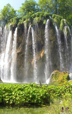 Waterfall at Plitvice Lakes, Croatia http://bbqboy.net/plitvice-lakes-impressions-tips-regrets/