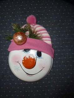 ME ~ Use pot lids, Burner Covers, Cake pans . Get hats from Dollar Tree Christmas Items, Christmas Snowman, Christmas Projects, Winter Christmas, Christmas Ornaments, Snowman Crafts, Holiday Crafts, Holiday Fun, Snowman Pics