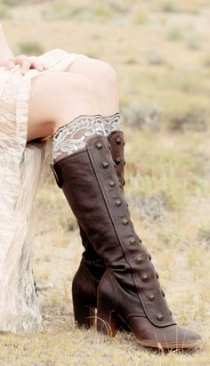 Lace Boot Cuffs from ForgottenCotton - Sara Gough: Alternative And Indie Fashion Ninja - Damenschuhe Look Fashion, Fashion Shoes, Womens Fashion, Gypsy Fashion, Indie Fashion, Fashion Black, Cheap Fashion, Fashion 2018, Dress Fashion
