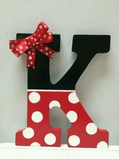 I would do an R for Reese and an M for Madden // Minnie Mouse Hand Painted Wooden Letter by CrafteeThings on Etsy Mickey Party, Mickey Mouse Birthday, Disney Diy, Disney Crafts, Mickey E Minnie Mouse, Painting Wooden Letters, Wood Letters, Chevron Painted Letters, Wooden Alphabet