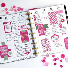 Full page spread with a Grateful theme. It may seem odd to have a cheerful spread when we are so sad over the loss of my dear grandmother, but we were blessed beyond measure to have her as long as we did. Planner Layout, Planner Pages, Life Planner, Printable Planner, Planner Stickers, Printables, Planner Board, Planner Tips, Filofax