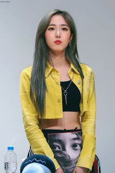 "REMINISCENCE on Twitter: ""190713 상암팬싸 (#신비)🐱  안어울리는게 뭐야...? 아....없구나...!(ㅇㅅㅇ)b  #세젤멋막내 #sinb #여자친구 #GFRIEND… "" Gfriend And Bts, Sinb Gfriend, Gfriend Sowon, Kpop Girl Groups, Korean Girl Groups, Kpop Girls, Gfriend Album, Cloud Dancer, Summer Rain"