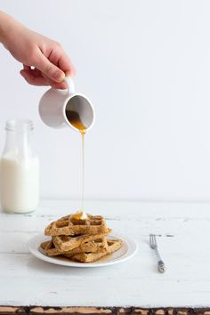 Single Lady Oat Waffles {gluten free, vegan} | Sprinkle with Salt