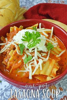 Easy One Pot Lasagna Soup - Planning Inspired Easy Pasta Recipes, Soup Recipes, Easy Meals, Drink Recipes, Chili Recipes, Cheesy Lasagna Recipe, Lasagna Soup, I Love Food, Good Food