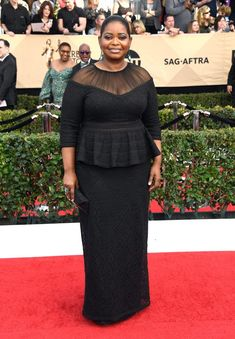 Octavia Spencer from SAG Awards Best Dressed Celebs The peplum top and sheer details of this incredibly age-appropriate Tadashi dress are really work for the Hidden Figures actress. Her Jacob African Lace Dresses, Latest African Fashion Dresses, African Dresses For Women, African Print Fashion, African Wear, African Attire, Look Plus, Kitenge, Curvy Fashion
