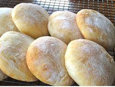 Scottish Morning Rolls – My Favourite Pastime Artisan Bread Recipes, Bread Machine Recipes, Easy Bread Recipes, Scottish Bread Recipe, Scottish Recipes, Bread Recipe Video, Rolls Recipe, Yeastless Bread Recipe, Sauce Pizza