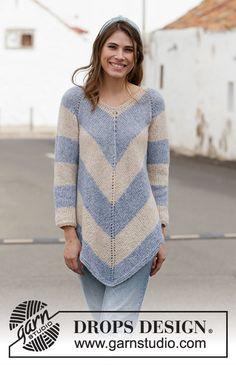 Poncho Ravelry: Blue Pagoda pattern by DROPS design Sweater Knitting Patterns, Knit Patterns, Free Knitting, Finger Knitting, Blanket Patterns, Knitting Machine, Drops Design, Pull Poncho, Poncho Crochet