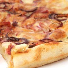 Κρεμμυδόπιτσα Greek Recipes, My Recipes, Hawaiian Pizza, Pepperoni, Street Food, Food Processor Recipes, Bread, Baking, Kitchen Stuff