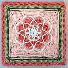 MamaMellie's Spiro Star, free pattern by Helen Shrimpton