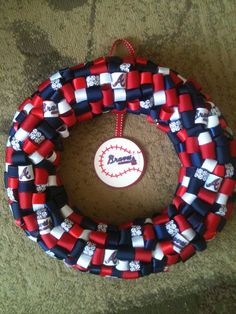 crazy awesome wreath--I soooo have to have one of these for next season!!