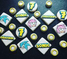 Sonic the hedgehog custom birthday cookie set     Www.facebook.com/tinykitchencakery
