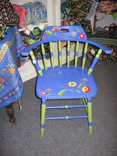 periwinkle/apple green chair with flowers wonderful color combo