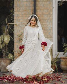 Pakistani Wedding Outfits, Pakistani Bridal Dresses, Wedding Dresses For Girls, Pakistani Dress Design, Bridal Outfits, Stylish Dress Designs, Stylish Dresses, Pakistani Gowns, Pakistani Clothing
