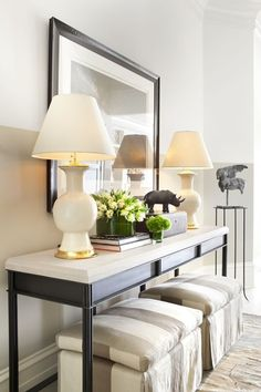 no fail objects for styling a console table. Console table with benches underneath. Maybe add wheels to the benches so they are eay to move around. Hall Deco, Foyer Design, House Design, Lobby Design, Living Room Decor, Living Spaces, Living Area, Modern Console Tables, Console Table Decor