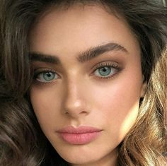 Gorgeous Makeup: Tips and Tricks With Eye Makeup and Eyeshadow – Makeup Design Ideas Natural Glow Makeup, Natural Summer Makeup, Natural Makeup Looks, Natural Brows, Fresh Makeup Look, Simple Makeup, Natural Beauty, Makeup Trends, Makeup Inspo
