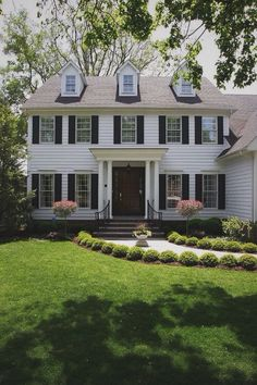 The White House Fertighaus stylish home black and white house exterior design weatherboard