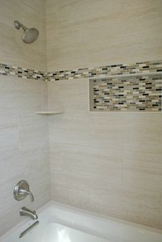 Hard To See But Looks Like It May Be Or Offset Brickwork Pattern Custom Tub Surround Tile Pattern Www