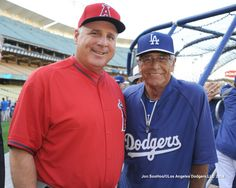 Scioscia and Steve Yeager by Jon SooHoo Dodgers Fan, Dodgers Baseball, Blue Plants, I Love La, Dodger Blue, Baseball Season, Los Angeles Dodgers, Color Blue, Angels