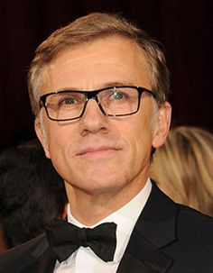 Cristoph Waltz looks simple and sophisticated. We love his glasses!
