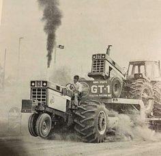 IH 66 Series John Deere Tractors, Big Tractors, Farmall Tractors, Ford Tractors, Vintage Tractors, Vintage Trucks, Antique Tractors, Truck And Tractor Pull, Tractor Pulling