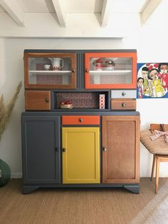 Buffet Mado Léandre - Idee - Mark Cordell - Buffet Mado Léandre – Idee You are in the right place about diy furniture painting wood Her - Refurbished Furniture, Upcycled Furniture, Furniture Projects, Kitchen Furniture, Furniture Makeover, Painted Furniture, Diy Projects, Distressed Furniture, Rustic Furniture