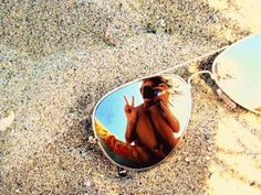 mirror, coolest pictur, creativ shot, photo books, cool beach pictures sunglasses, beach pics, at the beach, summer pictures, sunglasses beach