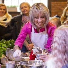 Robiąc to co się kocha - uśmiech z buzi nie zniknie! ❤😄 Always with a smile ❤ Na Zapustach Krakowskich gotowałam z dziećmi, a to dla mnie ogromna przyjemność, ale też ogromne wyzwanie! Ale to uwielbiam! Super było! ❤ . #cookingwithfire #girlcooking  #pinkblouse #cookingwithlove❤️ #blondechef #krakowskiezapusty Drink, Food, Beverage, Essen, Meals, Yemek, Eten, Drinking