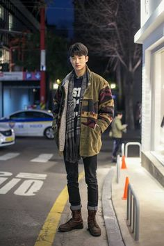 dibski:  Streetsnap: Byeon Woo Seok. Photo by Lefas