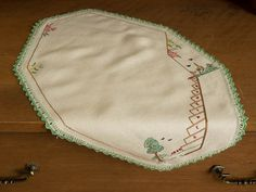 "Vintage Linen/Cotton Hand Embroidered ""1834 - 1934 Centenary"" of Melbourne Doily. Collectable Australian History"