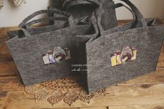 shopper XL220 gram grey felt 45x33 cm the bag is shipped folded ( it will go back to his original shape very fast  after you unpack )free shipping in Netherlandsall packages are shipped without track