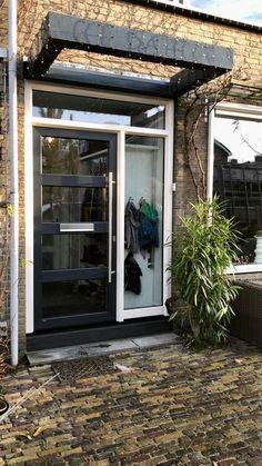 Briefklep in kunststof voordeur Outdoor Decor, Decor, Garage Doors, Home, Doors, Home Decor