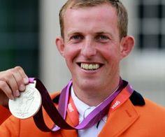 Gerco Schröder heeft met zijn paard op de Olympische Spelen 2012 in Londen (Engeland) met het onderdeel springconcours een zilveren plak gehaald
