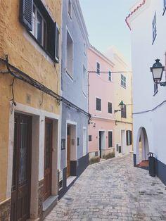 Menorca Travel Guide: Island Colors
