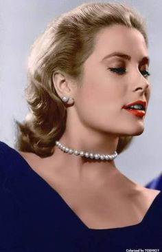 How To Wear Pearls Like Grace Kelly: A Short Portrait & Style Tips PearlsOnly - Graco - Ideas of Graco Hollywood Glamour, Hollywood Stars, Hollywood Actresses, Classic Hollywood, Vintage Hollywood, Princesa Grace Kelly, Grace Kelly Style, Divas, Actrices Hollywood