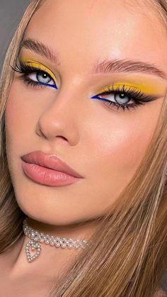 Dope Makeup, Baddie Makeup, Eye Makeup Art, Glam Makeup, Makeup Looks, Unique Makeup, Colorful Eye Makeup, Gorgeous Makeup, Creative Makeup