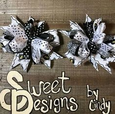 """Halloween spider ribbon black and white 4""""  hair bow by SweetDesignsbyCindy on Etsy"""