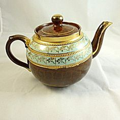 Vintage English Teapot, Woods. Click on the image for more information.