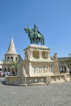 Statue of King St. Stephan, in front of the Buda Castle, Budapest, Hungary Danube River Cruise, Buda Castle, Budapest Travel, Hungary Travel, Central And Eastern Europe, Beautiful Places In The World, Bratislava, Places To Travel, City