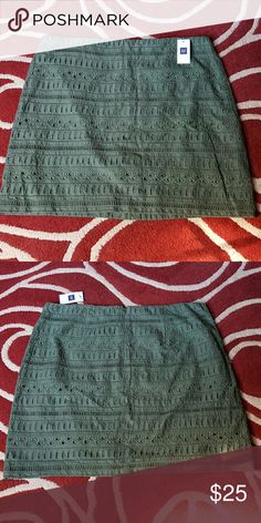 New Gap Womens skirt ✔New Gap Skirt  ✔Not worn ✔Size: 8 ✔Looks Green with beautiful design and also mini skirt ✔For women GAP Skirts Mini