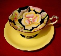 PARAGON FINE BONE CHINA YELLOW PANSY TEA CUP GOLD TRIMMED PATTERN G6600/5 by natalie-w China Cups And Saucers, China Tea Cups, Teapots And Cups, Antique Tea Cups, Vintage Teacups, Tea Service, My Cup Of Tea, Chocolate Pots, Mellow Yellow