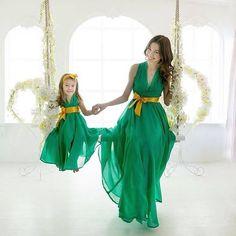 Resultado de imagen para madre e hija vestidas igual fiesta