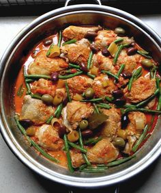 Low-Carb Paprika Chicken with Tomatoes, Green Beans & Olives An easy family dinner with gutsy tomato and olive flavours, freshened wi. Banting Diet, Banting Recipes, Low Carb Recipes, Diet Recipes, Lchf, Chicken Recipes, Healthy Recipes, Paleo Diet, Ketogenic Diet