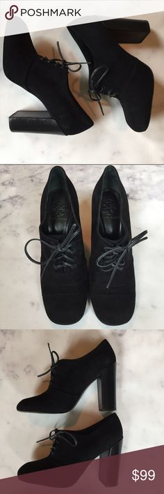 """🆕 Tory Burch Black Suede Stella Oxfords perfect wardrobe staple for Fall! black suede stacked heel Stella oxfords from Tory Burch. very good condition with only light wear on sole as photoed. these can be worn without the leather laces also but i preferred them with the laces. size 8.5. heel is approx 4.25"""". Tory Burch Shoes Heels"""