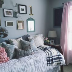Dainty pretty bedroom