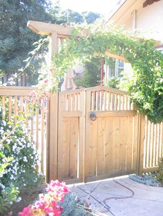 I'm still on the fence about unweathered cedar, but this is a beautiful design. #GardenGate