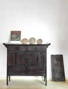 Asian Furniture, Chinese Furniture, Oriental Furniture, Vintage Furniture, Furniture Decor, Living Room Furniture, Painted Furniture, Furniture Design, Traditional Interior