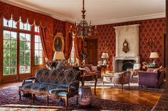 In 2015, Château de Chanteloup's interior has been renovated by Stéphane Binet with the work of the company Nid d'Abeilles from Jarnac, using fabrics from ours collections.